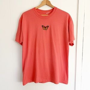 Vintage salmon butterfly embroidered patch t-shirt